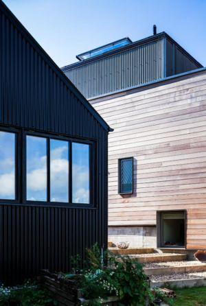 accès escalier - Stackyard House par Mole Architects - Palgrave, Royaume-Uni