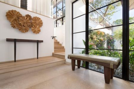 accès escalier étage - villa par Krutz Homes - Floride, USA