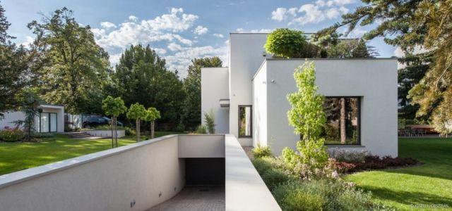 accès garage - Reviving Mies par Architéma - Buda Hills, Hongrie