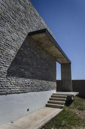 accès terrasse - La Tomatina House par Plastik Arquitectos - Aguascalientes, Mexique