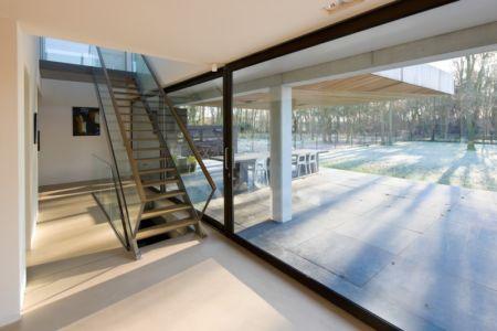 accès terrasse et escalier - 102 Heesch par Hilberink Bosch Architecten - Bosvilla, Pays-Bas