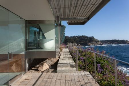 allée balcon - Carmel Highlands Residence par Eric Miller Architects - Carmel-By-The-Sea, Usa