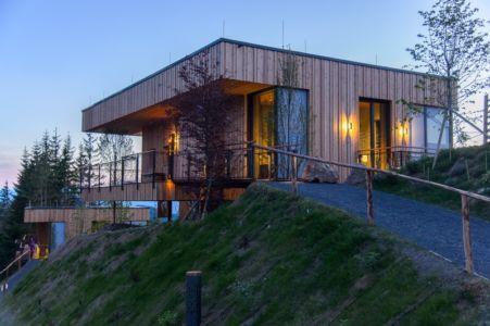 allée entrée - Deluxe Mountain Chalets par Viereck Architects - Styria, Autriche