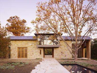 allée entrée - Mountain Wood Residence par Walker Warner Architects -Woodside, Usa