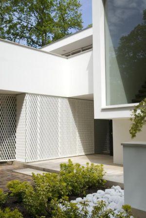 allée entrée - Villa contemporaine par Clijsters Architectuur Studio - Bilthoven, Pays-Bas