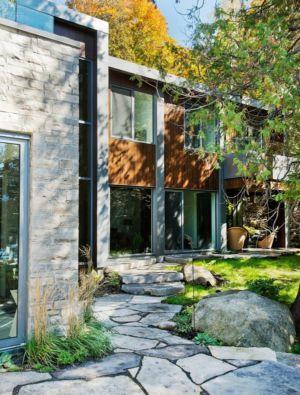 allée extérieure - residence Cedrus par Boom Town - Harrington, Canada