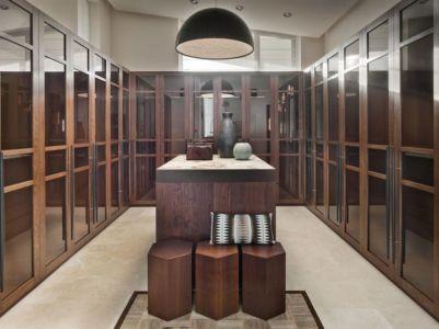 dressing vitré intérieur - House of Piton par PANACOM Architect - Russie