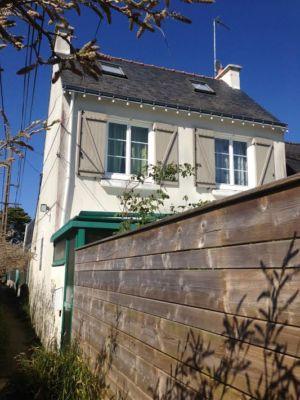avant - côté - extension bois d'une maison par Franck Labbay - Larmor-Plage - France