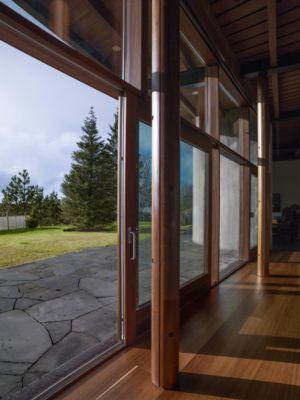 baie coulissante - Bakkaflöt 14 par Studio Granda - Islande
