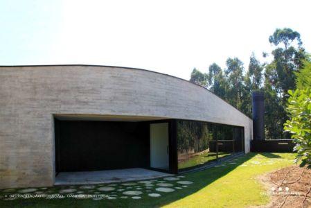 baie vitrée - Cardio House par Caldeira Figueiredo Arquitectos - Portugal