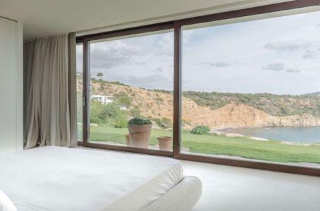 baie vitrée chambre & vue panoramique paysage - Stunning-Villa par Villa Majestic - Ibiza, Espagne