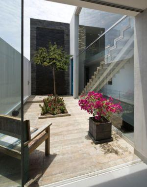 baie vitrée entrée - casa-v par Estudio 6 Arquitectos - Perou