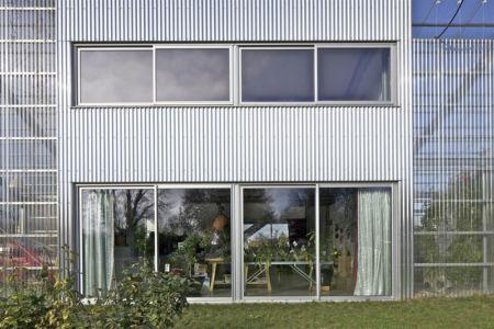 baie vitrée - maison agence par hérard & da costa portada -Neuville-sur-Seine, France - photo philippe ruault