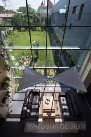 baie vitrée salon - House «Ecominimalizm». par Yakusha Design - Dnipropetrovsk, Ukraine