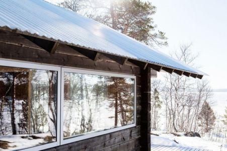 baie vitrée & tôle ondulée - femunden par Aslak Haanhuus Arkiekter - Femund, Norvege