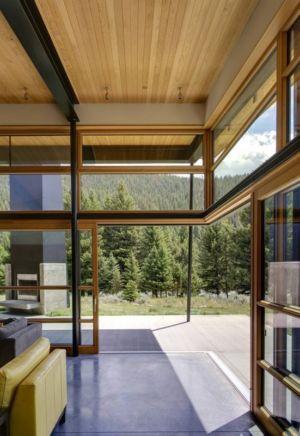 baie vitrée terrasse - River Bank house par Balance Associates Architects - Big Sky, Montana, Usa