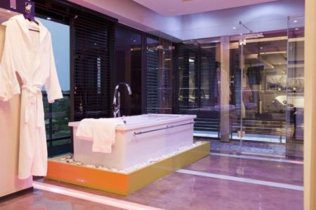 baignoire - House Tsi par Nico van der Meulen Architects - Afrique du Sud
