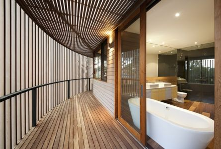 baignoire - maison bois contemporaine par Jackson Clements Burrows - Barwon Heads - Australie - Photos John Gollings