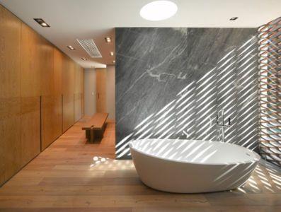 baignoire salle de bains - Barrancas House par Ezequielfarca Architecture & Design - Mexico, Mexique