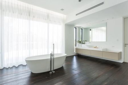 baignoire salle de bains - Hucker Residence par Strang - Miami, USA