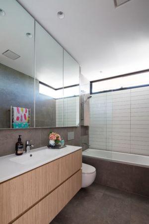 baignoire salle de bains - Queenscliff-Design par Watershed Design - Sydney, Australie