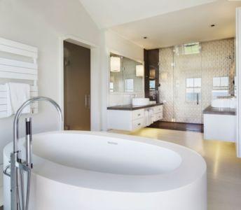 baignoire salle de bains salle de bains - Squam Residence par J. Brown Builders - Nantucket Island, Usa - photo Jeffrey Allen