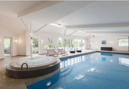 jaccuzi & piscine intérieure - Lofties par Rayner Davies Architects - Lindrick Common, Angleterre