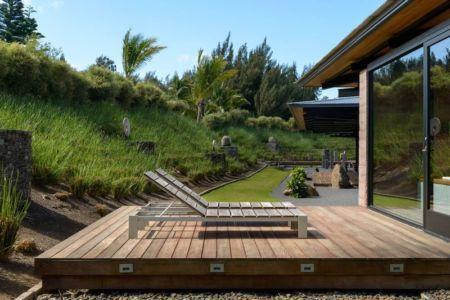 bains de soleil terrasse - Kapalua-Home par Olson Kundig Kaprzycki Designs - Hawaï, USA