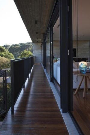 balcon - LM Residence par Marcos Bertoldi Arquitetos - Campo Comprido, Brésil