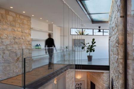 balcon étage - Stone-House par Henkin Shavit Architecture & Design - Safed, Israël