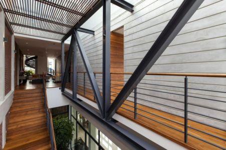 balcon étage - maison exclusive par Aamer Architects - Singapour