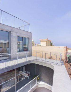 balcon étage supérieur - g-house par Esau Acosta - El Sauzal, Espagne