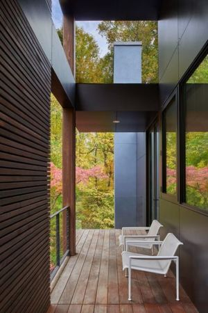 balcon bois - Hills-House par Robert M. Gurney - Maryland, USA