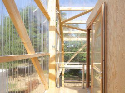 balcon charpente étage - Maison D par Fouquet Architecture - Coueron, Loire-Atlantique, France.jpg
