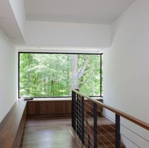 balcon intérieur & baie vitrée - Clark Court par In Situ studio - Raleigh, USA