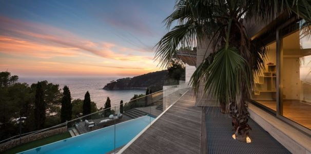 balcon - maison exclusive par Dosarquitectes - Girona, Espagne