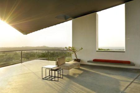balcon terasse design - Alibaug-House par Malik Architecture - Maharashtra, Inde