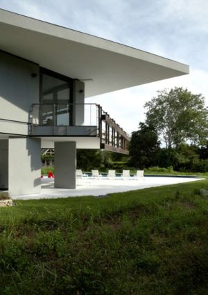 balcon terrasse - Sayres House and Hanging Gardens par Maziar Behrooz Architecture - East Hampton, Usa