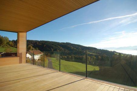balcon terrasse bois - house-dornbirn par KM Architektur en Suisse