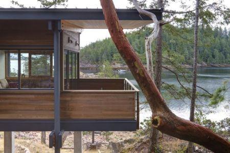 balcon & vue sur le fleuve - balance-associates par Balance Associates - Colombie-Britannique, Canada