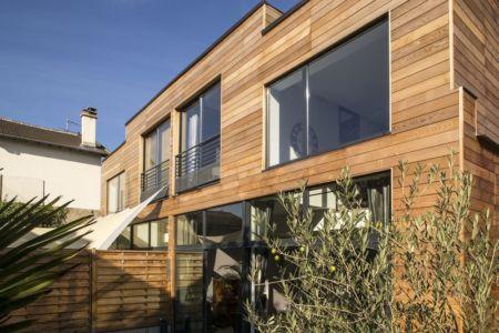 bardage - étage - Maisons jumelées par MAG architectes - France - photo Stéphano Candito