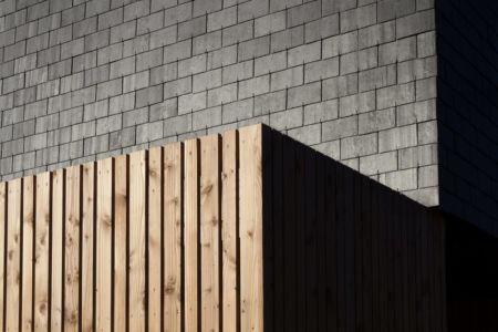 bardage bois et ardoise - Maison L. ossature bois par Atelier 56S - France - Photo Jeremías Gonzalez