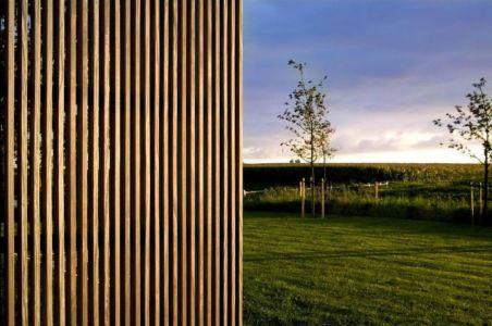 bardage bois vertical - barn-buro-2 par Buno II & Archi - Flandre, Belgique.jpg