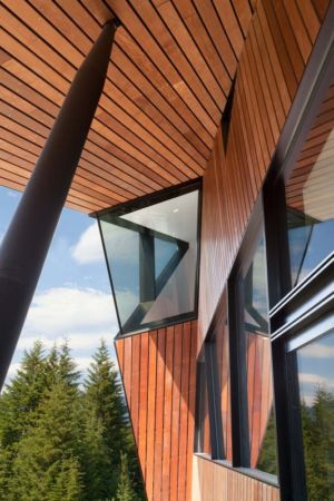bardage et vitrage - Hadaway house par Patkau architects - Whistler valley, Canada