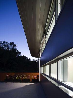 bardage façade - Anthrazit House par Architects Magnus - Santa Barbara, Usa