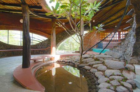 bassin - Brick House par iStudio architecture - Wada, Inde