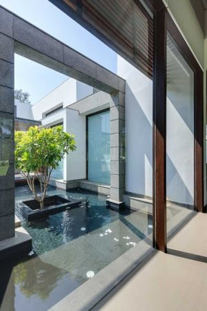 bassin entrée - Center Court Villa par DADA Partners - New Delhi, Inde