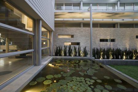 bassin extérieur - Boano Lowensitein Residence par KZ Architecture - Miami, Usa