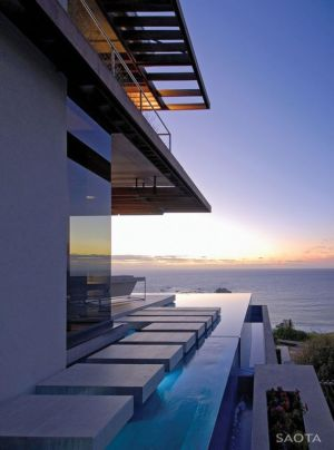 bbassin côté et vue panoramique - Kloof 151 par SAOTA - Clifton, Afrique du Sud