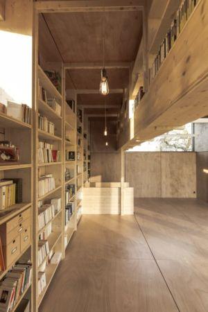 bibliothèque au sol et suspendue - Cliffs Impasse par ZIEGLER Antonin architecte - Senneville-sur-Fécamp, France
